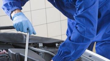 Cómo verificar el líquido de transmisión automática en un Subaru Legacy