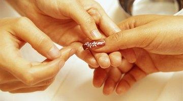 ¿Soy alérgica a las uñas acrílicas?