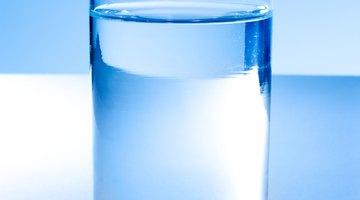 ¿Por qué beber agua causa acidez?