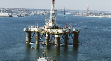 Oil rig electricians can make high annual salaries.