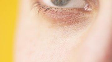 Cómo quitar virutas de metal de tu ojo
