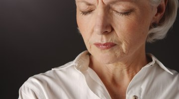 Signs & Symptoms of Ovarian Cysts After Menopause