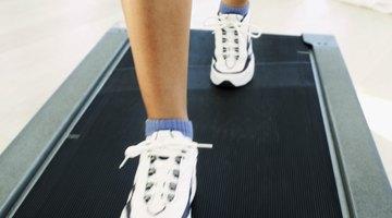 ¿Qué causa el dolor en el tobillo al caminar?