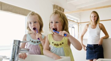How to Use Bleach to Disinfect Toothbrushes
