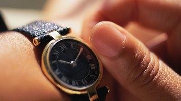 Las personas diestras suelen llevar el reloj en la muñeca izquierda.