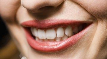 Cómo eliminar el sabor metálico de tu boca causado por medicinas
