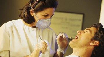 ¿Cuánto tiempo esperar después del dentista para comer?