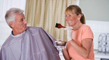 Cómo quitarte la tintura Just for Men de tu rostro