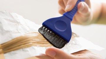 Cómo quitar el tinte de pelo de las manos