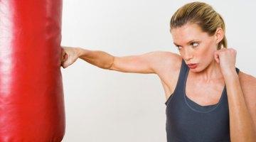 Los dolores después de golpear un saco de boxeo