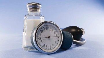 Cómo bajar el nivel de sodio en la sangre de manera natural