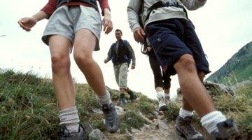 Tengo dolor de rodilla causado por el senderismo de descenso