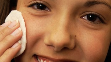 How to Help a Bruise on the Face Heal Quickly