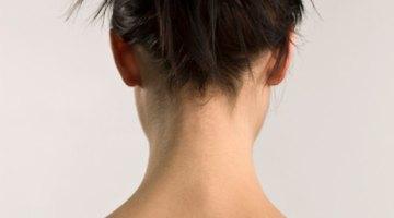 Los parches de piel seca en la espalda pueden ser causados por factores del estilo de vida o una condición de la piel subyacente.