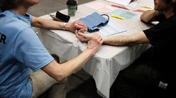 Cómo medir la presión arterial sin equipamiento