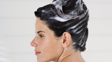 How to Treat Dandruff with Sea Breeze Astringent