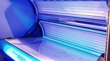 How to Get Rid of Skin Fungus From Tanning Beds