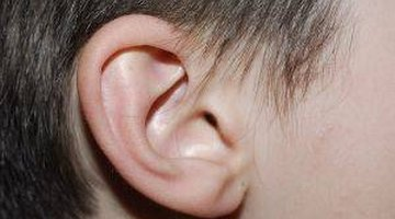 How to Clean Ears with Mineral Oil