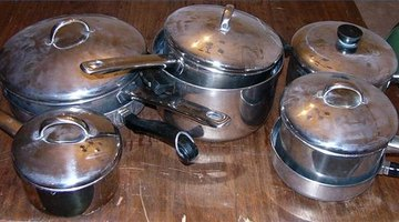 Stainless-steel pots and pans are a good option for glass a cooktop.