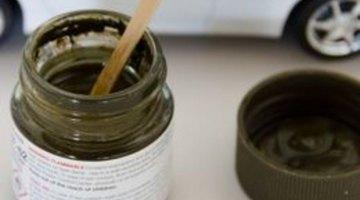 Always stir paint before each use.