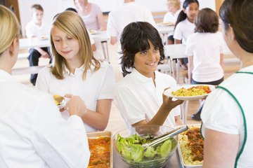 The average cafeteria worker earns $7.62 per hour.