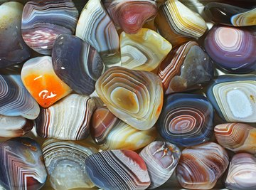How to Find Agates