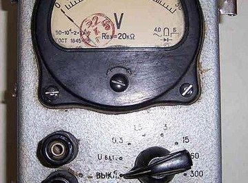 How Does a Voltage Meter Work?