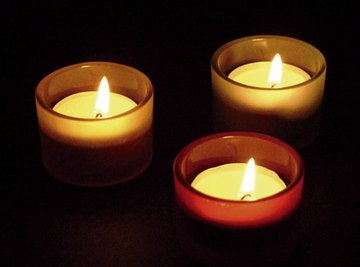 Produce electricity with the heat from tea light candles.