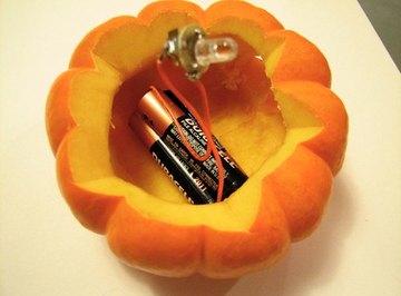 Alkaline batteries can even light a pumpkin!