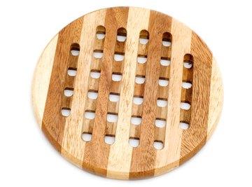 Wood is an insulator.