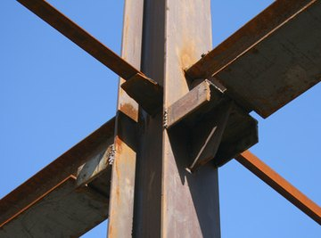 Structure made of steel