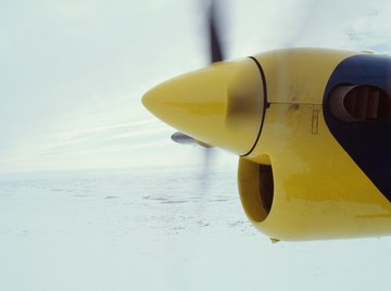 Variable pitch propellers use trunnion bearings.