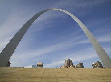 Gateway arch landmark in Missouri