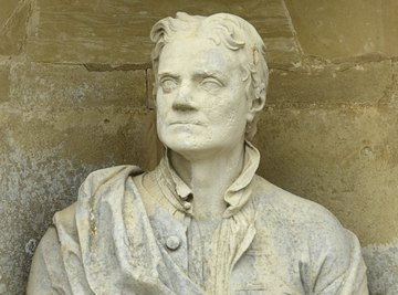 Sculpted bust of Isaac Newton.