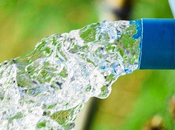 Difference Between Water Pressure & Air Pressure