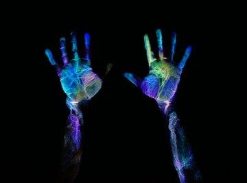 How to Find Fingerprints With a Black Light