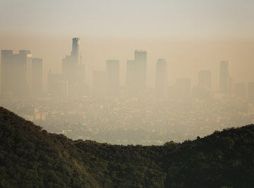 How Do Temperature Inversions Influence Air Pollution