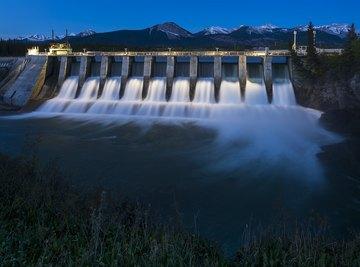 Hydro Power Vs. Solar Power Advantages