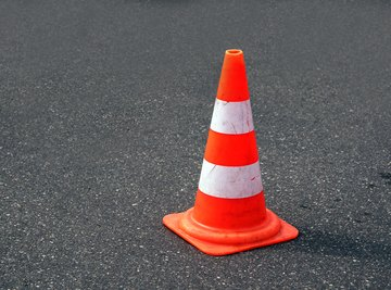 How to Calculate the Height of a Cone From the Volume