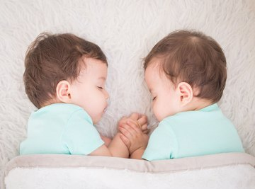 The Differences in Fraternal & Paternal Twins