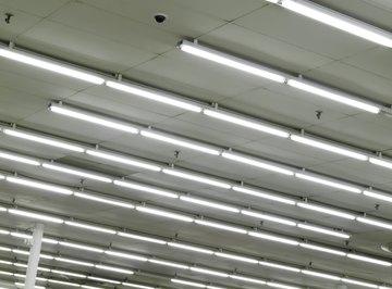 What Causes Flickering in Fluorescent Light Bulbs