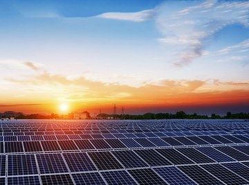 Can Solar Batteries Charge Using Incandescent Light