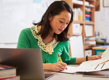 How to Calculate Your Yearly Average on a Report Card