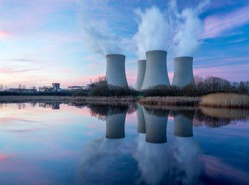 The Differences Between Nuclear Power & Fossil Fuel-Burning Power Plants
