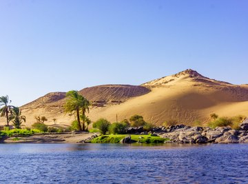 What Did Ancient Egyptian Farmers Do While the Nile Flooded
