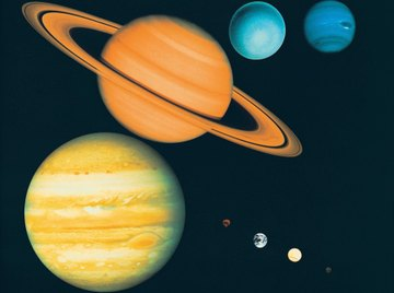 The gas giants Saturn and Jupiter are the largest planets in the solar system.
