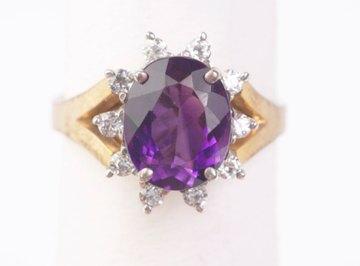 Quartz are used in jewelry.
