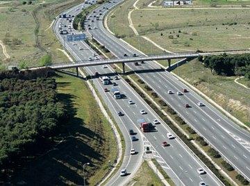 Bridge wingwalls act as retaining walls