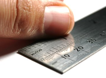 How to Convert Centimeters to Square Feet