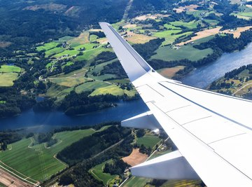 Wingtips on airplanes are designed to reduce drag forces.
